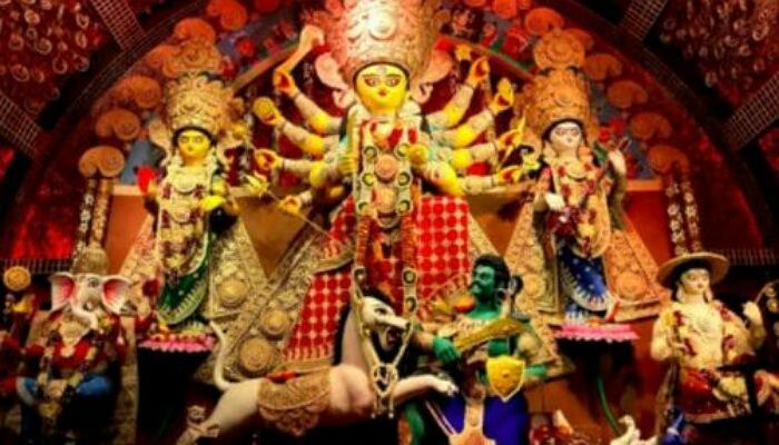 এবার আপনার দরজা গোড়ায় 'দুর্গা গাড়ি' নিয়ে আসছে 'যোধপুরপার্ক শারদীয়া উৎসব কমিটি'