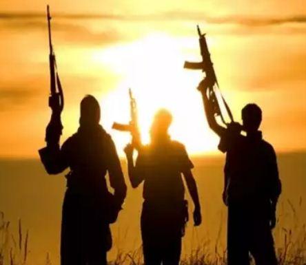 সীমান্তে সক্রিয় সেনা, বড়সড় হামলার ছক আঁকছে পাকিস্তানের জঙ্গি সংগঠন